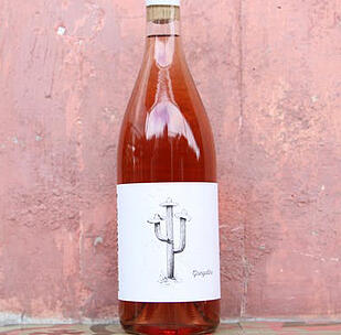 bottle of Tresomm rose wine