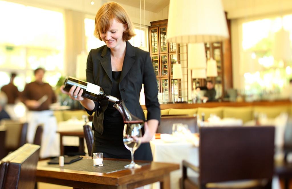 Meet Author, Sommelier, & Napa Valley Expert, Kelli White | Verve Wine